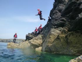 Coasteering & Cliff Jumping